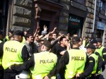 Polisen skyddar pridedeltagare, Warszawa -07