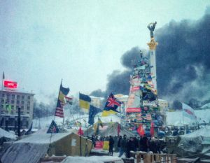 Självständighetstorget i Kiev i januari 2014. Foto: Mykhailo Liapin/Flickr (CC)