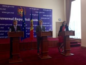 Premiärminister Iurie Leanca och kommissionär Ciolos.